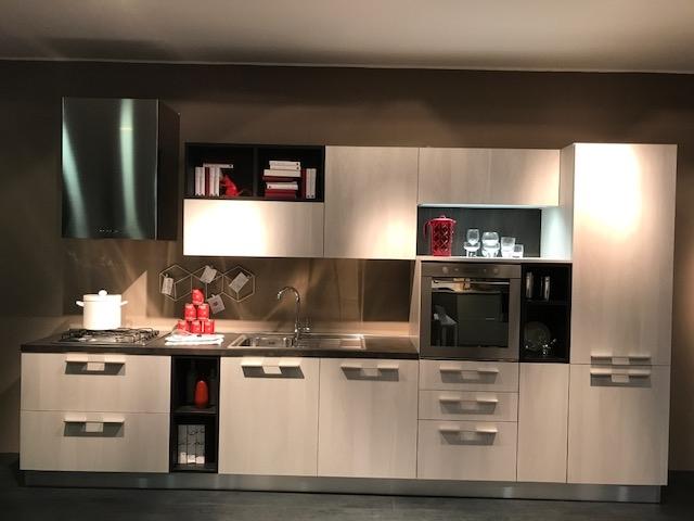 Cucina ged cucine by gd arredamenti energy scontato del - Lunghezza cucina ...