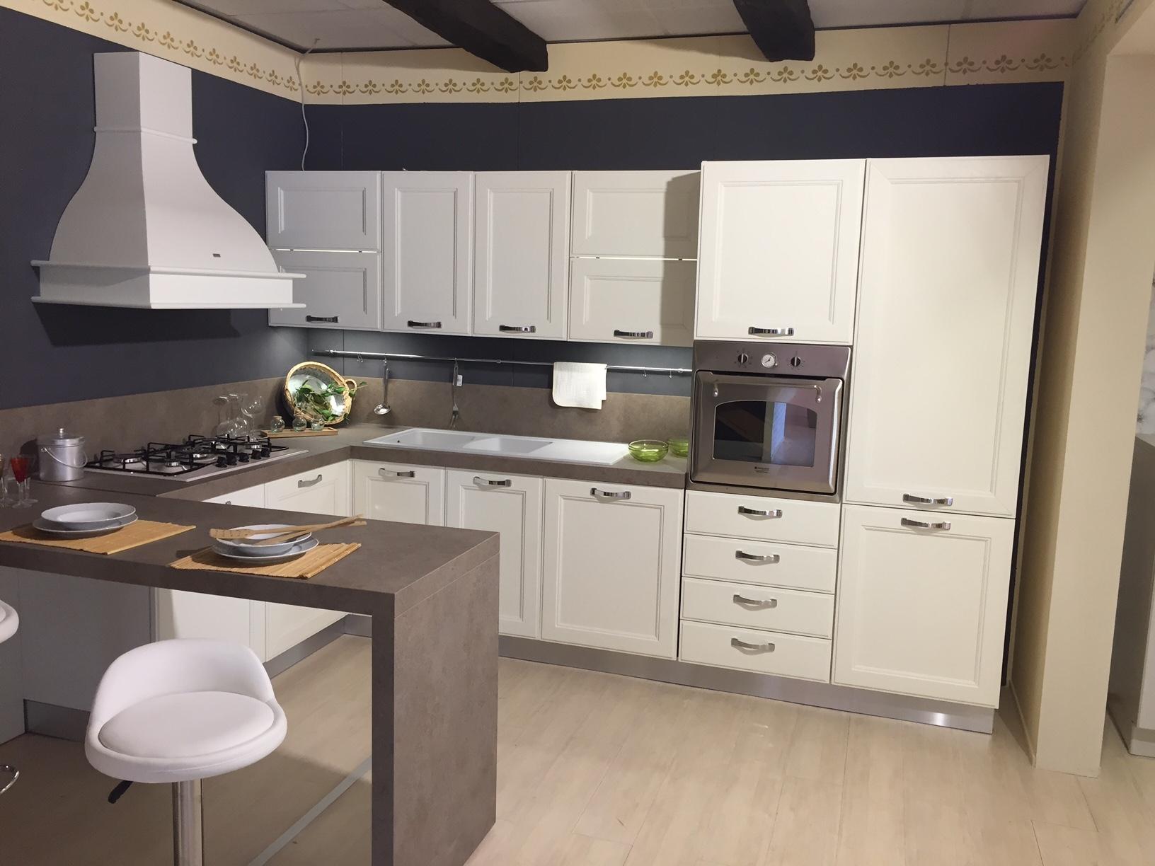 Cucina con penisola di ged cucine modello kate scontata - Cucina con penisola centrale ...