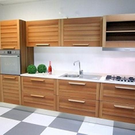 Cucina GeD Cucine Fiamma noce massello scontato del -56 % - Cucine ...