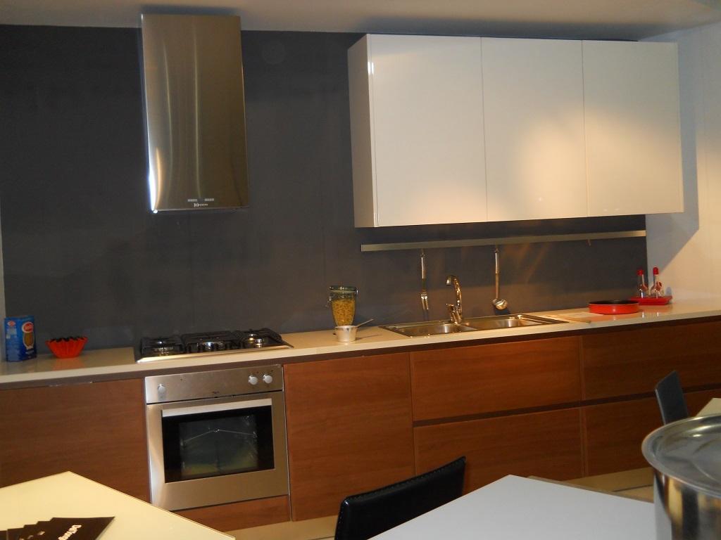 Cucina ged cucine velvet laccata legno scontato del 66 for Piano cucina legno