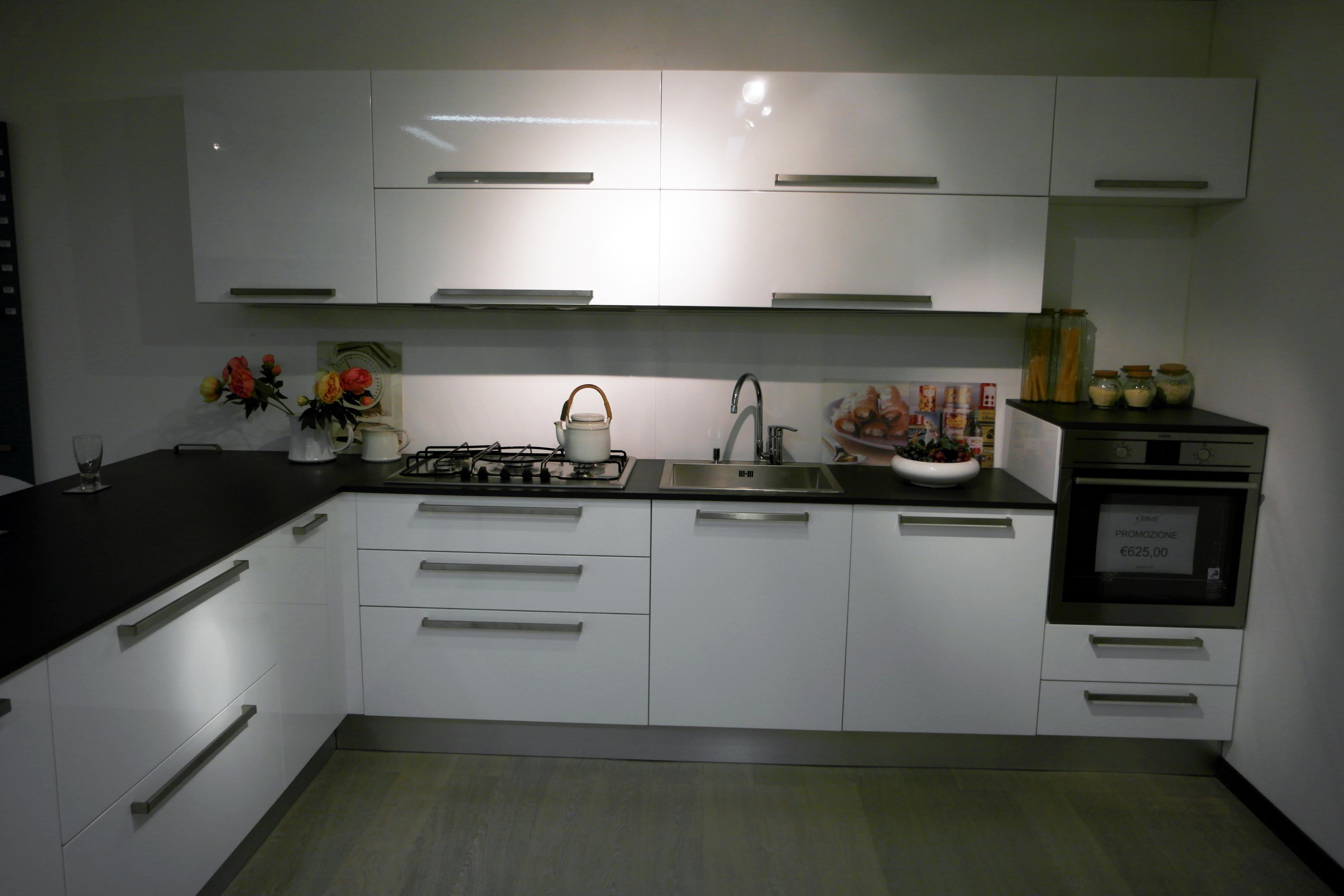 Cucina gentili cucine piana lux laminato lucido outlet - Top cucina in laminato ...