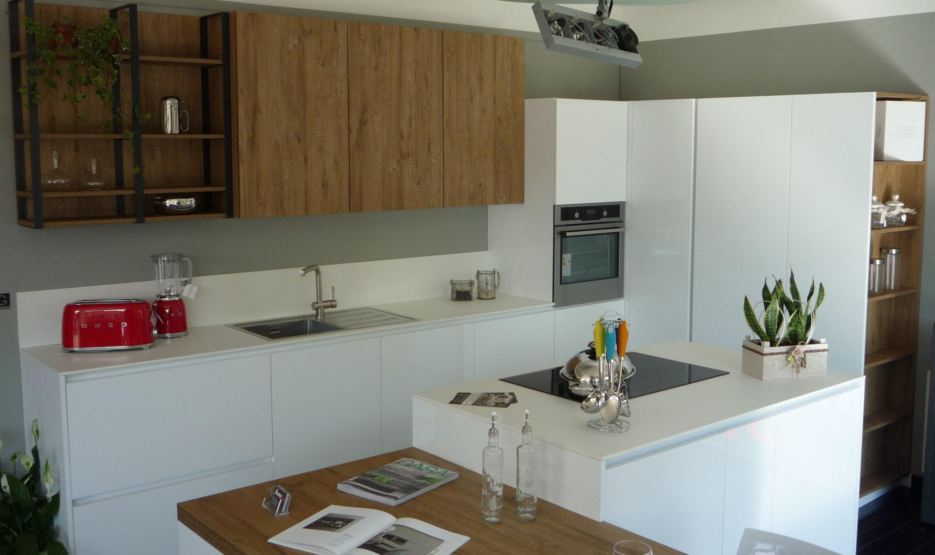 Cucina con isola Gentili scontata del 62% per rinnovo mostra. - Cucine a prez...