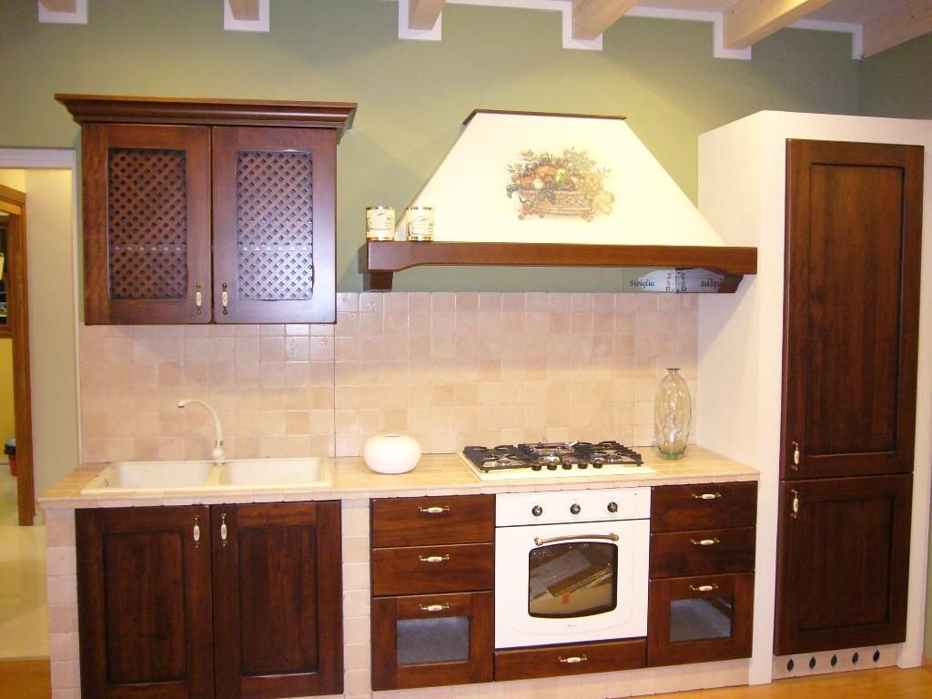 Cucina gicinque cucine siviglia classica legno noce - Legno per cucina ...