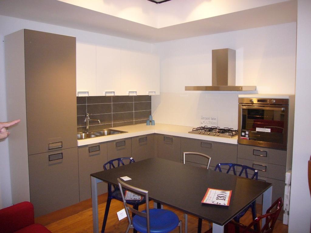 Tavolo e sedie da anninare a cucina ciliegio - Tavolo cucina bianco ...