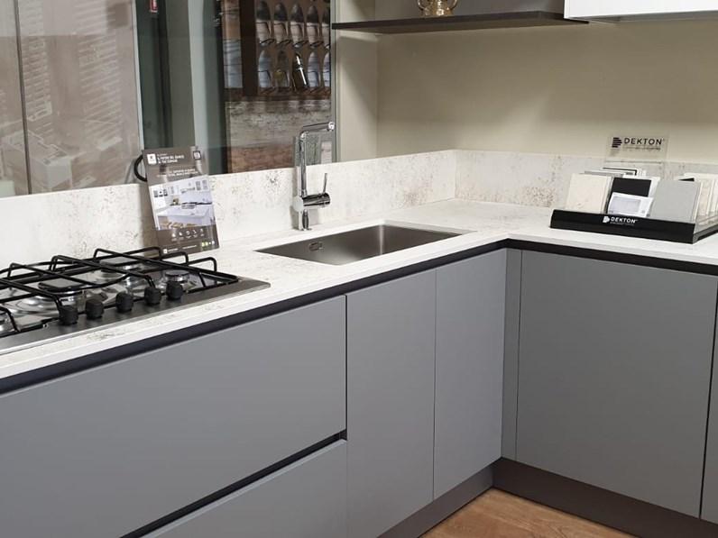 Cucina grigio design ad angolo Fenix Berloni cucine in Offerta Outlet