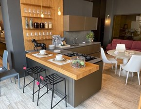 Cucina grigio design con penisola Lab vetro k3 Binova scontata