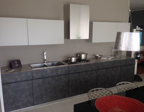 Cucina grigio design lineare Elle Cesar scontata