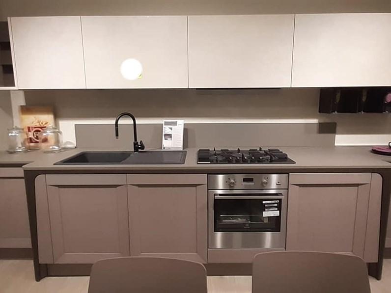 Cucina grigio design lineare milano berloni cucine in for Negozi cucine milano