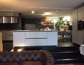 Cucina grigio moderna ad isola Charisma new gola Berloni cucine in Offerta Outlet