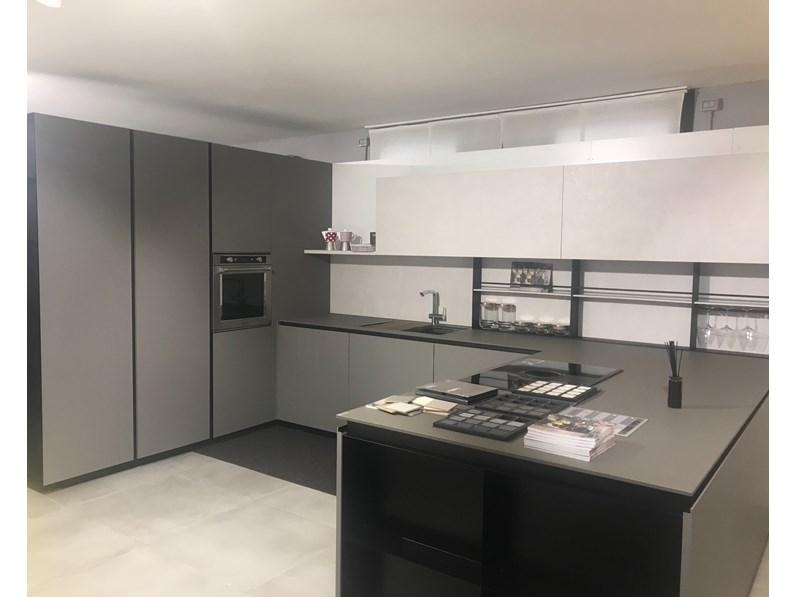 Cucine Moderne Grigie.Cucina Grigio Moderna Con Penisola Ak Projet Arrital Cucine