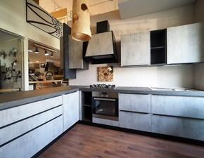 Cucina grigio moderna con penisola Ossido cemento con cappa industrial  Nuovi mondi cucine scontata
