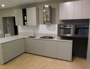 Cucina grigio moderna con penisola Viva Maistri cucine in Offerta Outlet