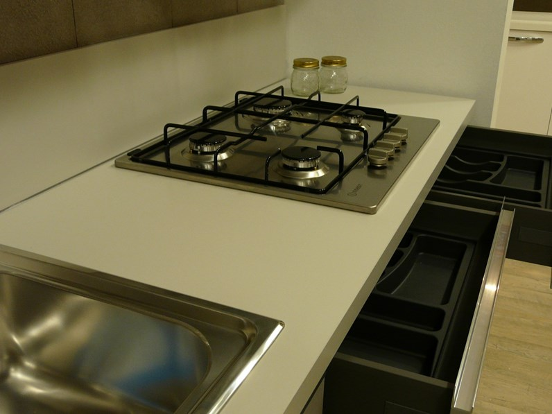 Cucina grigio moderna lineare sky ar tre in offerta outlet for Cucina lineare moderna