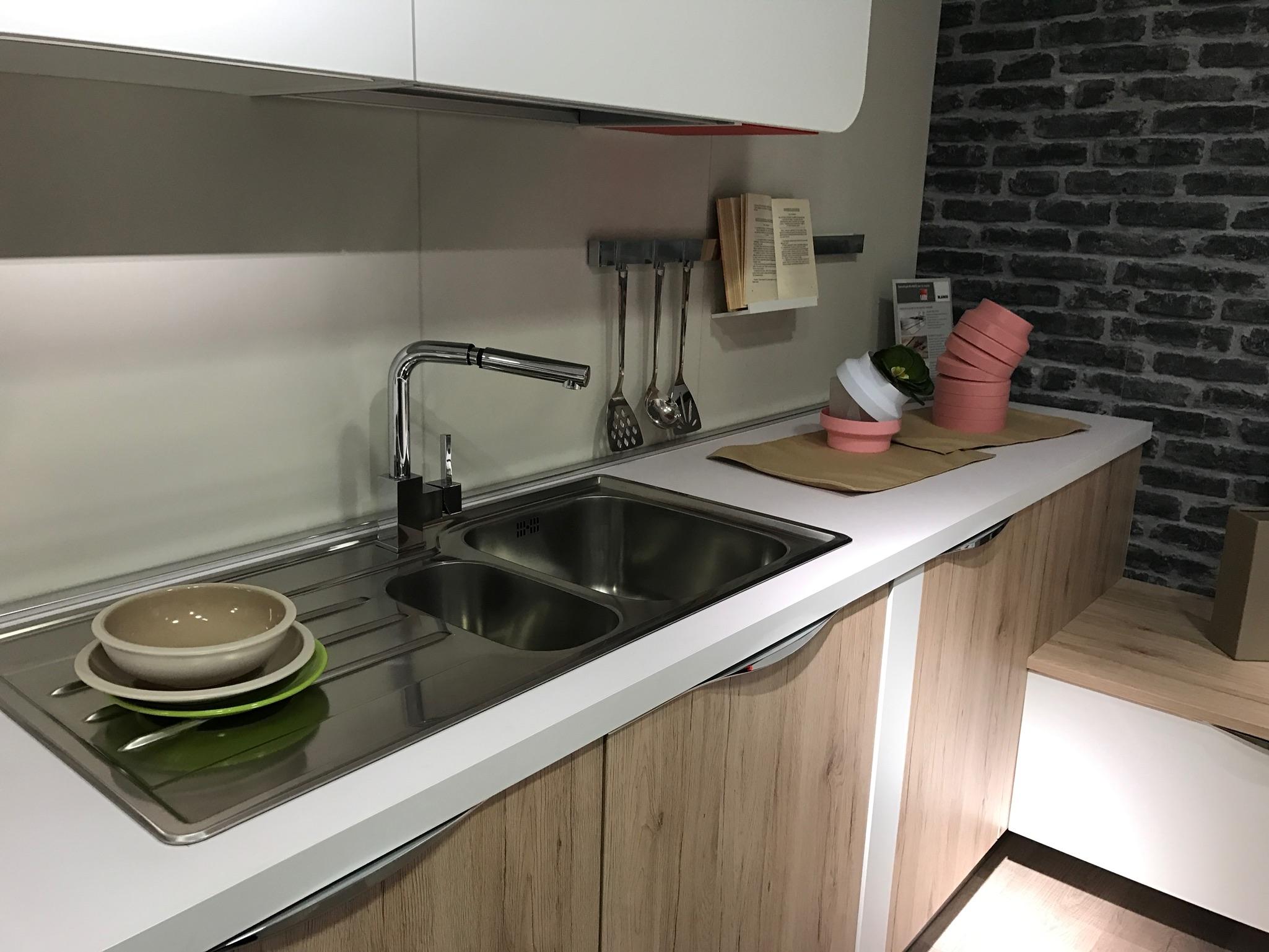 CUCINA IMMAGINA LUBE CON PENISOLA PREZZO OFFERTA - Cucine a prezzi scontati