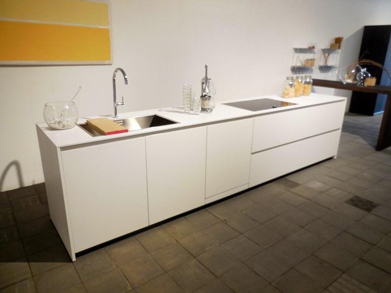 Cucina in laccato opaco modulnova a prezzi outlet - Cucina a induzione prezzi ...