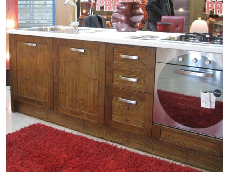 Cucina in legno crash bambu con piano top stone white - Cucine etniche arredamento ...