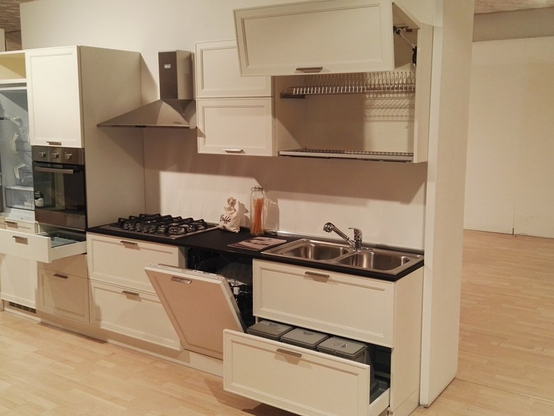 Cucina in legno le fablier a prezzi outlet for Outlet cucine di marca