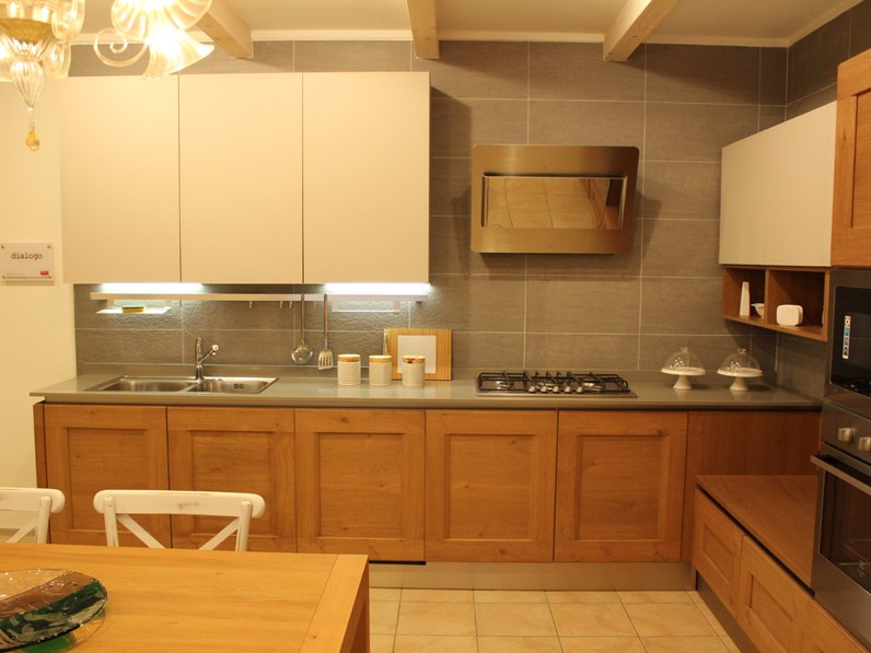 Cucine A Scomparsa Veneta Cucine.Cucina In Legno Veneta Cucine A Prezzi Outlet