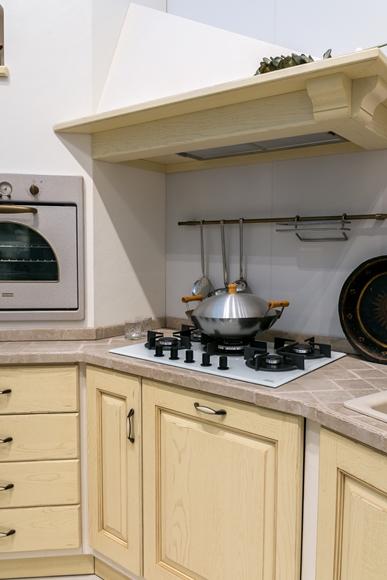 Cucina in muratura Scavolini modello Belvedere scontata del 40%