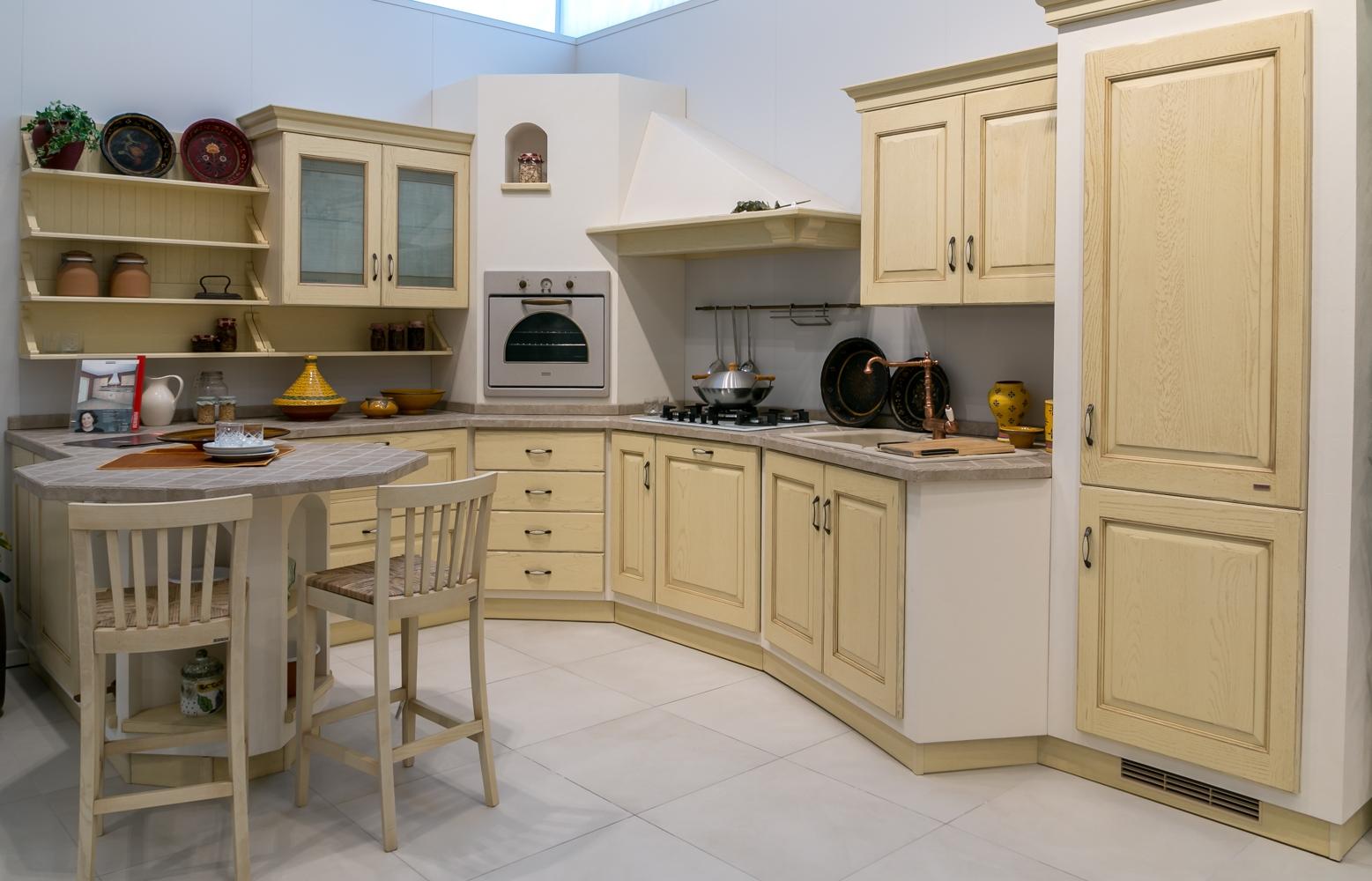 Cucina in muratura Scavolini modello Belvedere scontata del 40% - Cucine a prezzi scontati