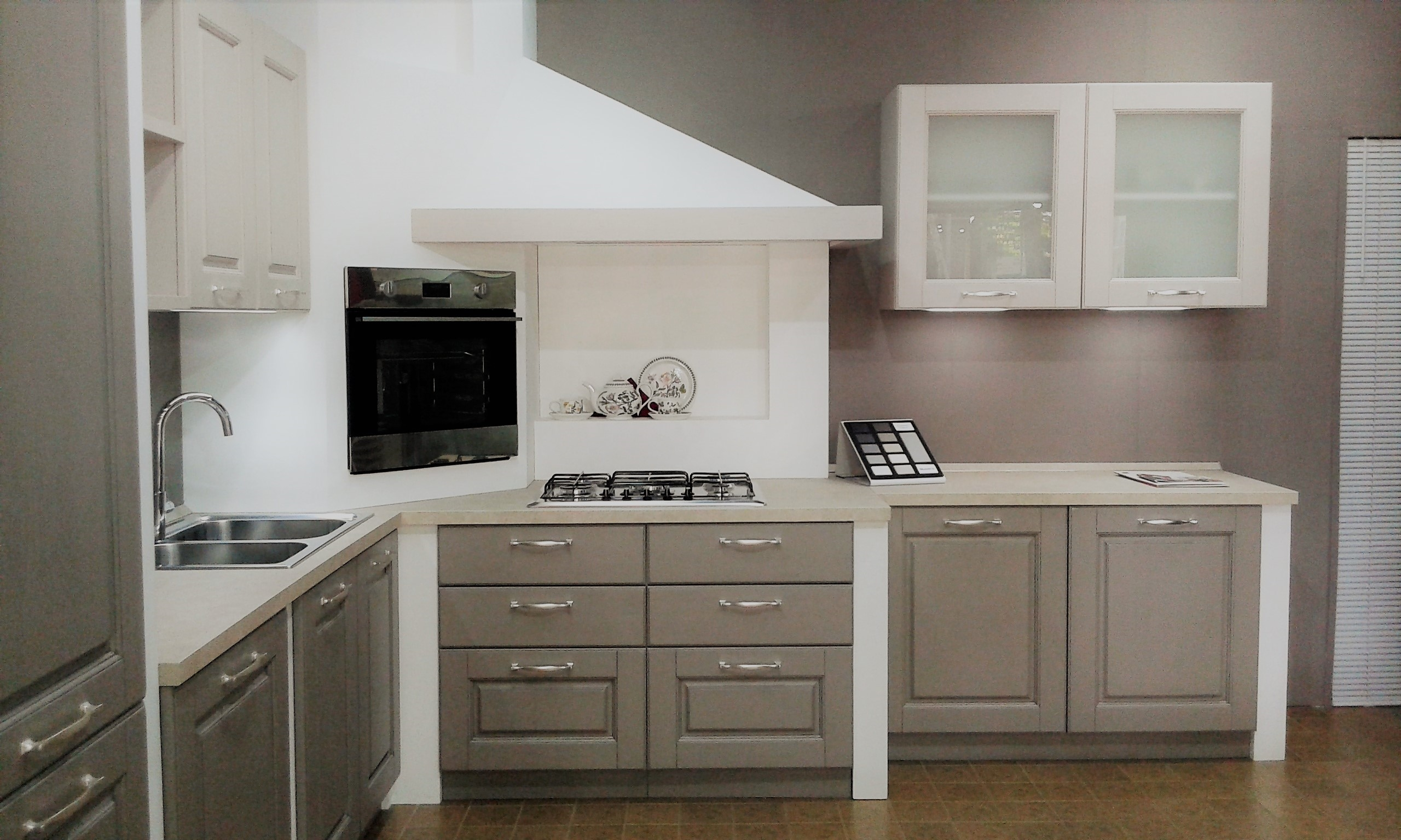 Stunning cappe ad angolo per cucina contemporary home for Offerte cucine