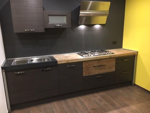Cucina in offerta outlet industriale grigio cucine a - Cucina stile industriale ...