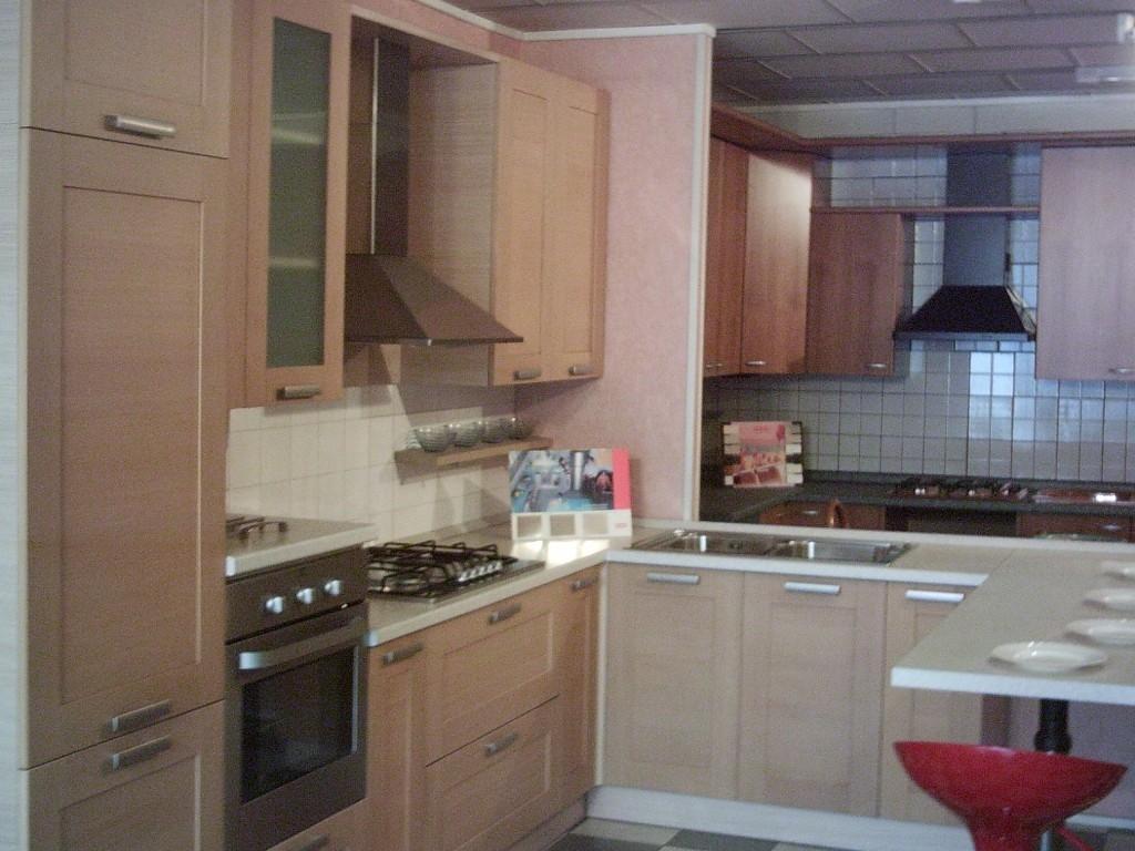 Cucina in svendita sotto costo cucine a prezzi scontati for Cerco cucina usata in regalo