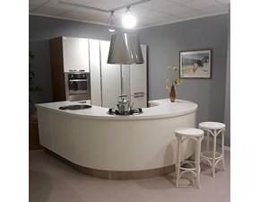 Cucina Katia design bianca ad isola Lube cucine