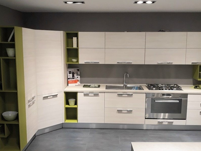 Cucina l moderna ad angolo Mod. Martina Lube Offerta Outlet