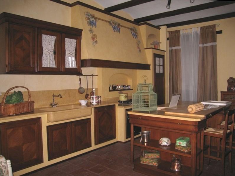 Cucina L\'ottocento classica ad isola in legno noce con intarsio mod ...