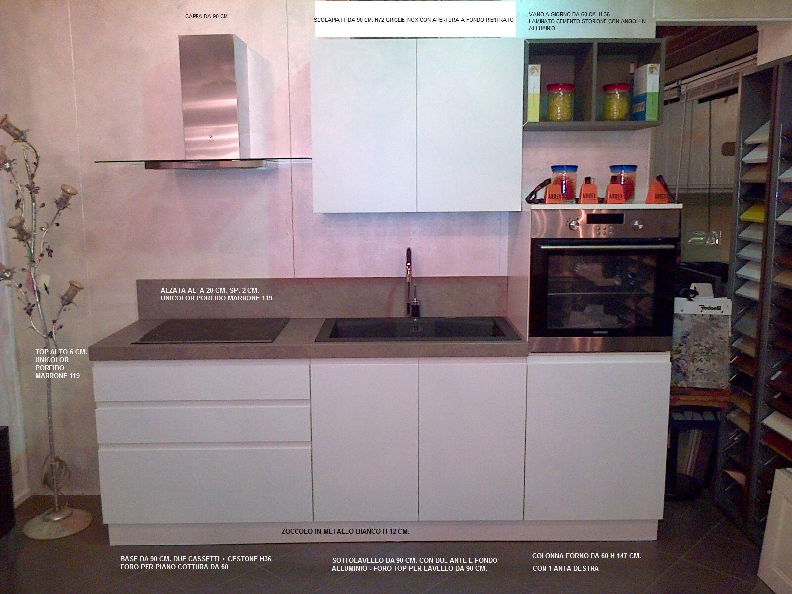 Cucina laccata bianca opaca modello arcobaleno di ar due - Cucina bianca e marrone ...