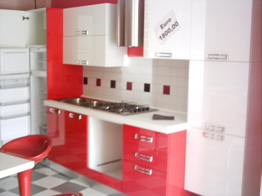 Cucina laccata bianco e rosso - Cucine a prezzi scontati