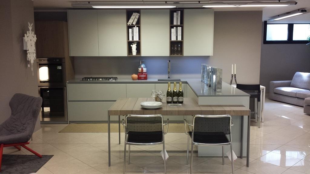 cucina bianca e grigia arredare cucina : Cucina Valdesign Cucine Cucina laccata grigia opaca piano okite ...