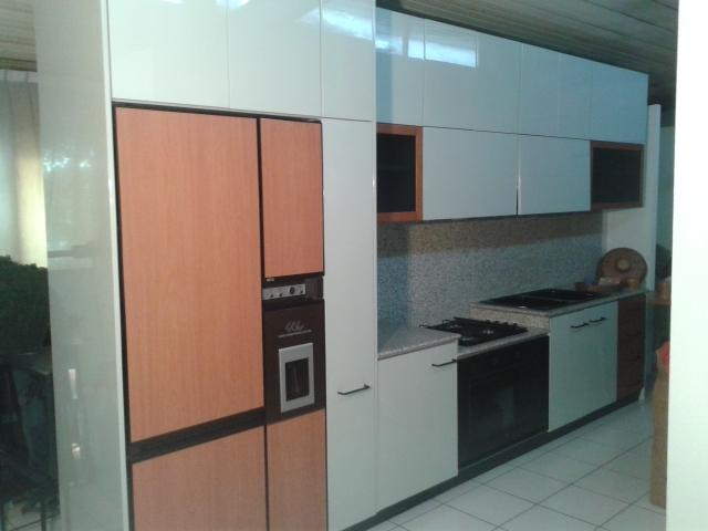 Veneta cucine cucina cucina extra laccata lucido grigio - Cucine grigio perla ...