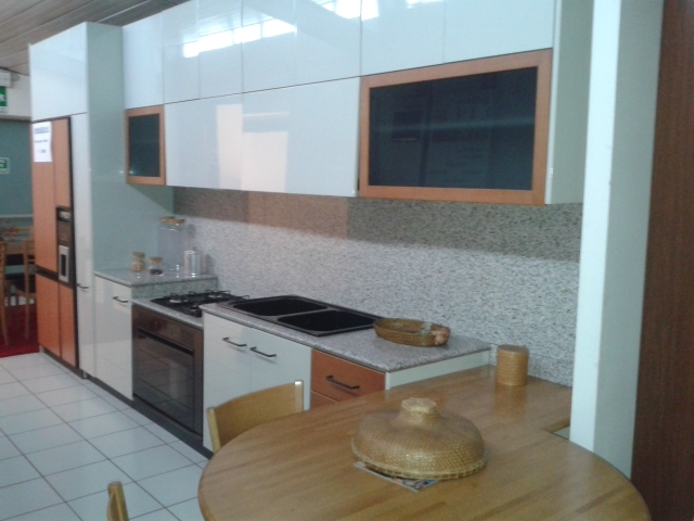 Cucina Cucina extra laccata lucido grigio perla Moderno Laccato Lucido ...