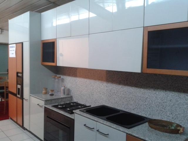 Veneta cucine cucina cucina extra laccata lucido grigio perla moderno laccato lucido neutra - Cucine grigio perla ...