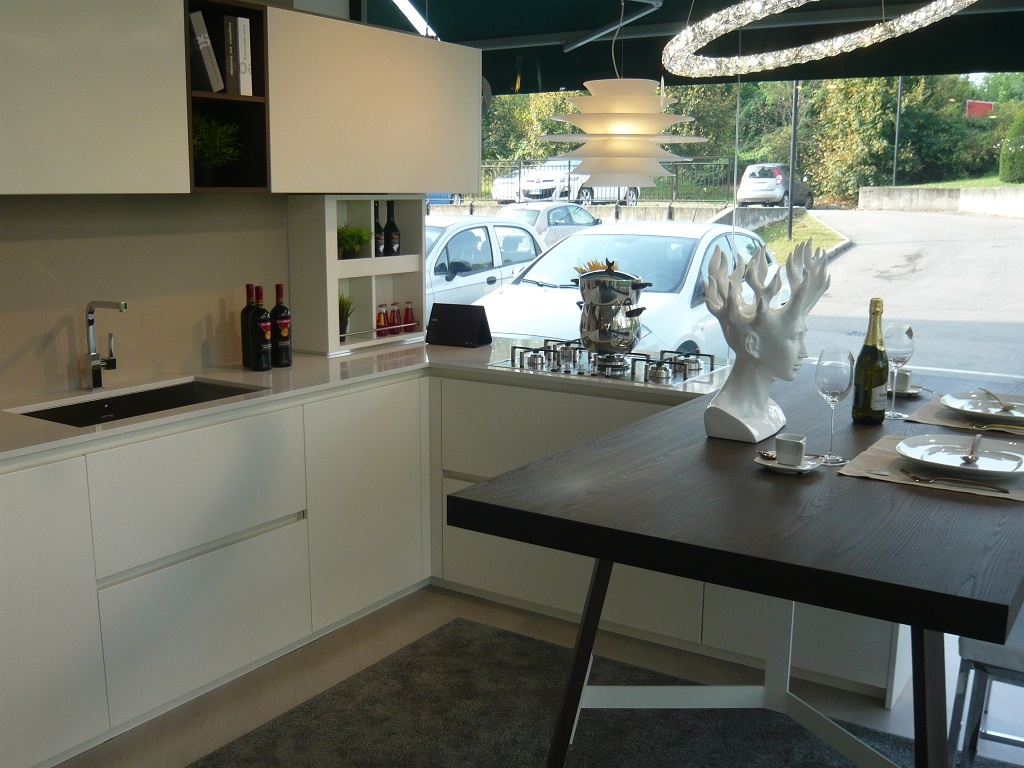 Valdesign cucine cucina laccata bianca olmo caff - Cucina laccata bianca ...