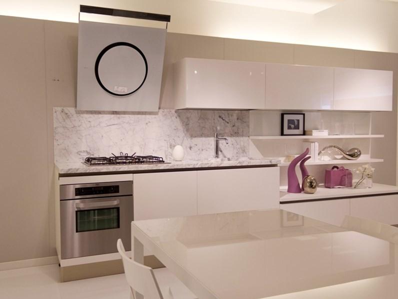 Cucina Con Piano In Marmo Di Carrara.Cucina Naik Laccata Bianco Poro Aperto Piano Marmo Bianco Di Carrara
