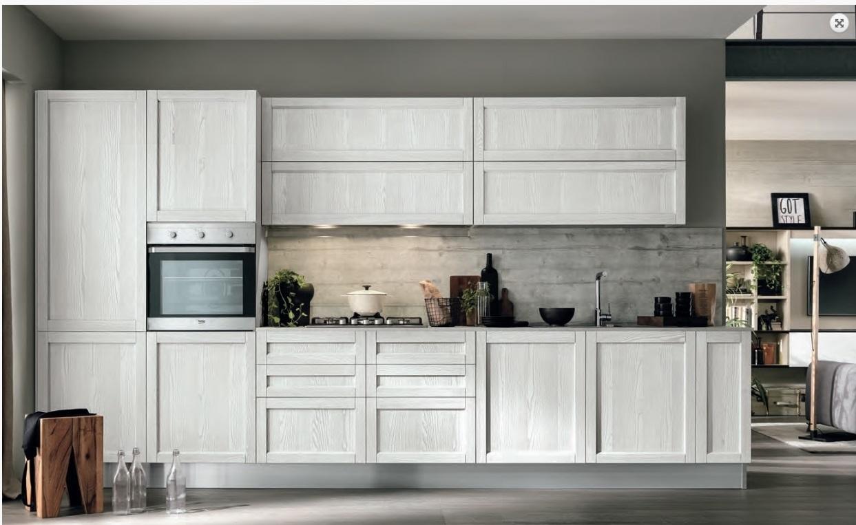 Cucina legno vintage con maniglie integrata in offerta - Cucine in legno chiaro ...