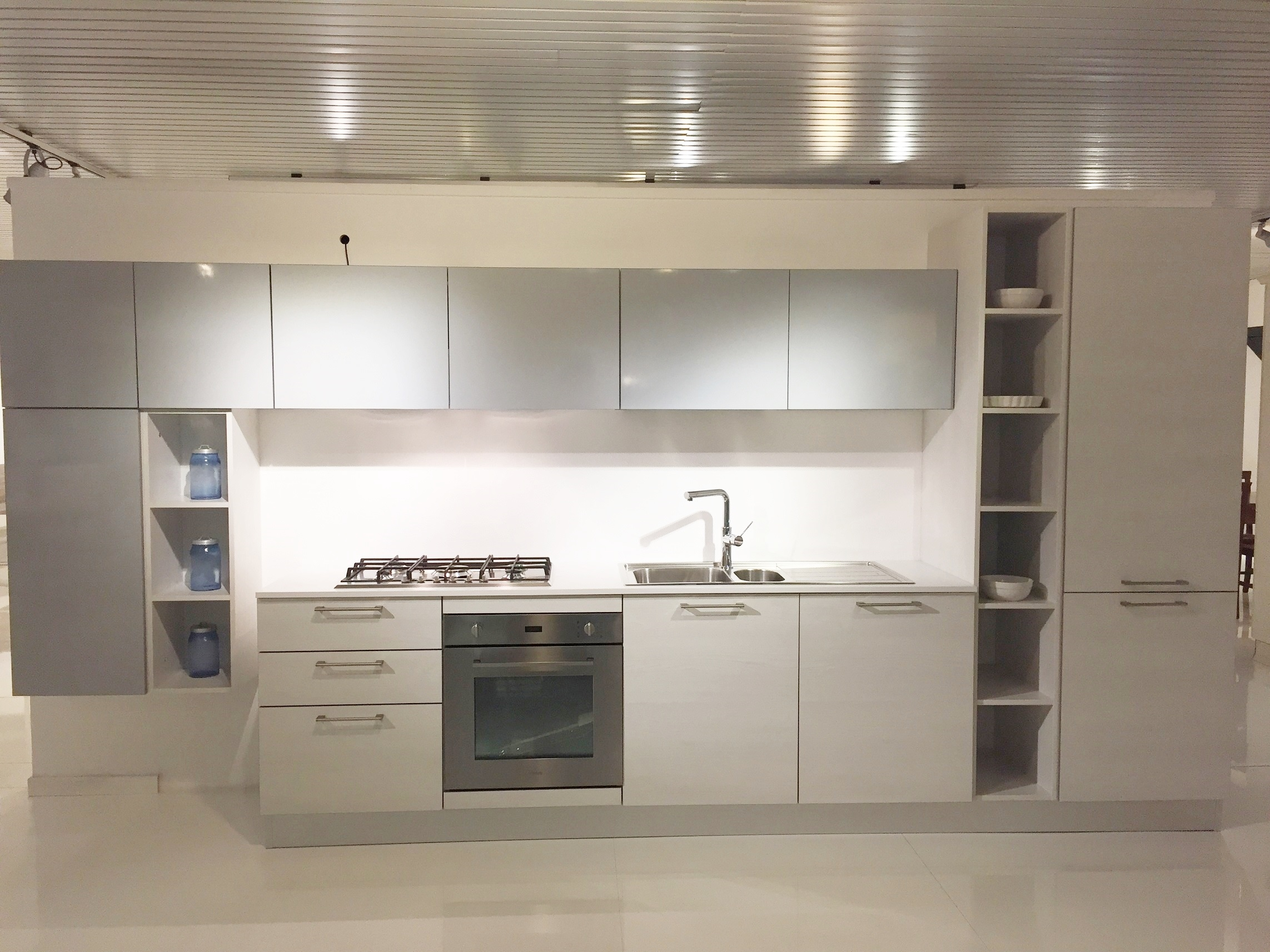 Cucine on line m vela by mesonus cucine fitted kitchens for Arredamenti bruschi