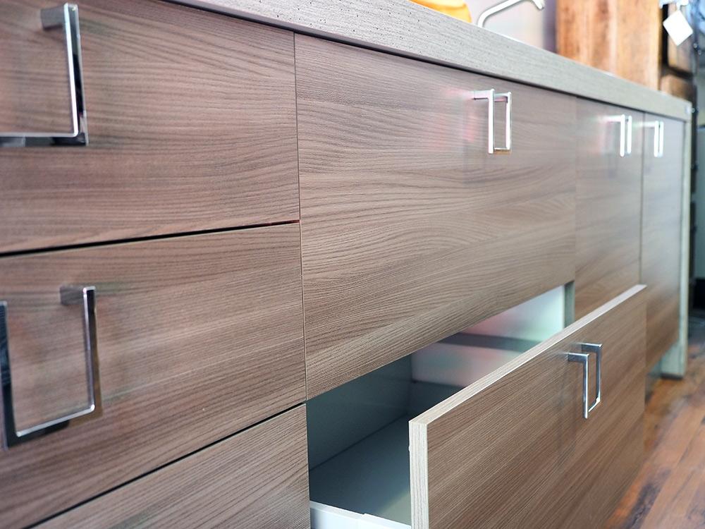 Cucina linea essential zen lineare in colore olmo e bambu for Cucina lineare offerta