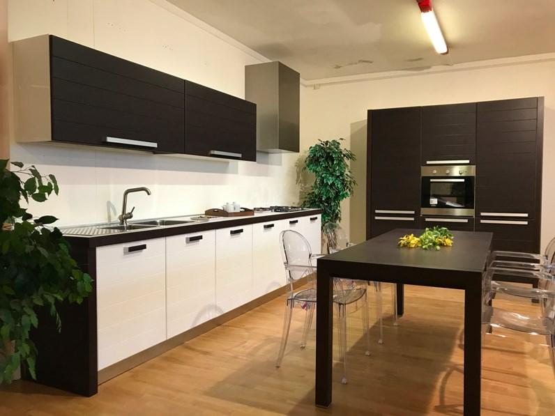 Cucina Linea moderna rovere moro lineare Gm cucine