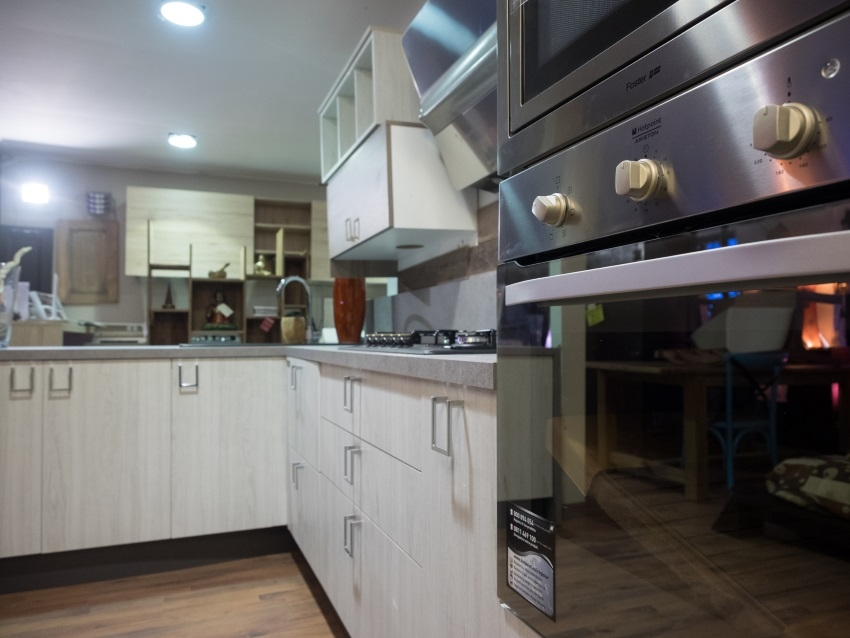 Cucina linea wood moderna con penisola anta white grey in offerta ...