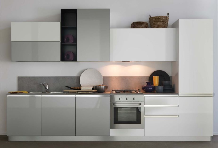 Cucina lineare astra cucine modello combi laccata opaca for Offerte cucine lineari