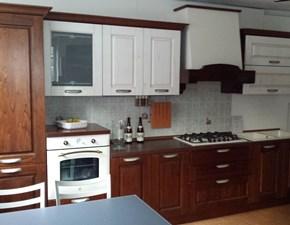 Cucina lineare classica Verona Arredo3 a prezzo ribassato