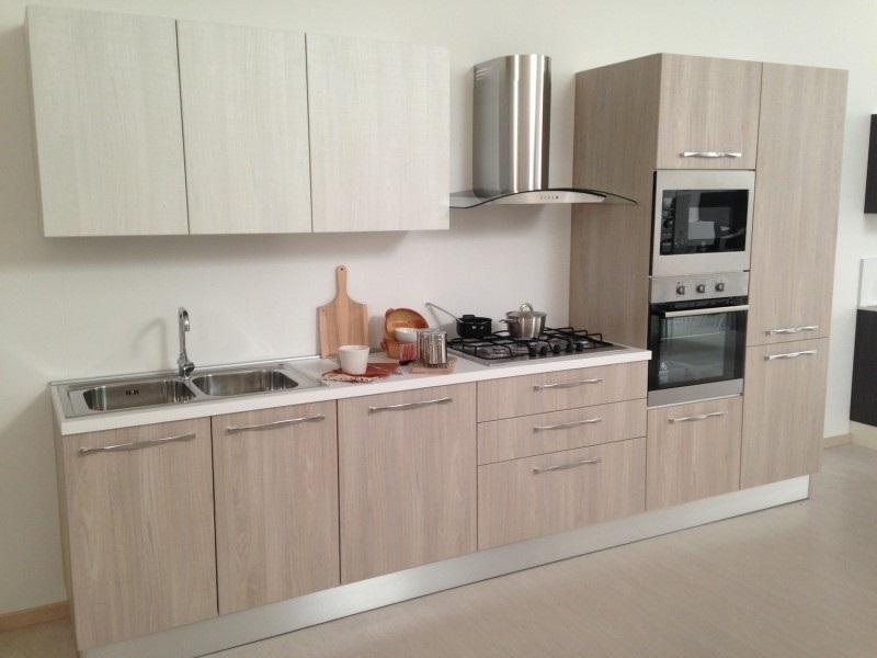 Cucina lineare completa di elettrodomestici rex in - Elettrodomestici cucina ...