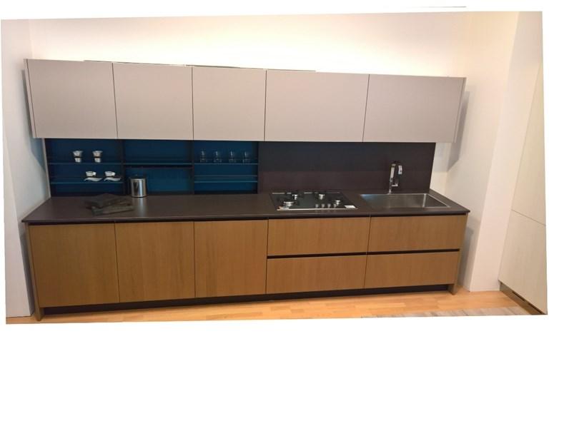 Cucina lineare con blocco colonne design rovere e laccato opaco 3.1 ...
