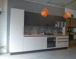 Cucina lineare con piano quarzo sconto Outlet