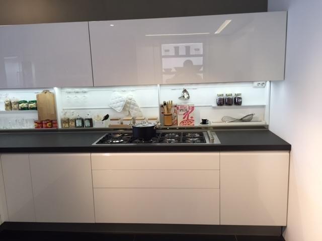 Cucina dada modello trim bianca lucida scontata del 42 - Cucina bianca lucida ...