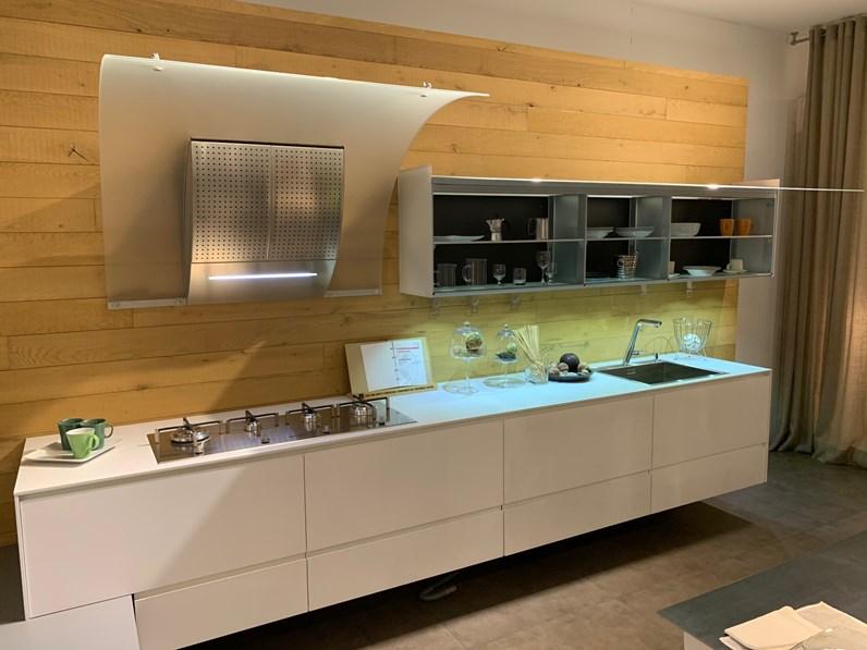 Cucina lineare design Riciclantica Valcucine a prezzo scontato